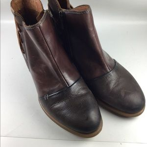 Pikolinos 2 tone brown leather side zip booties